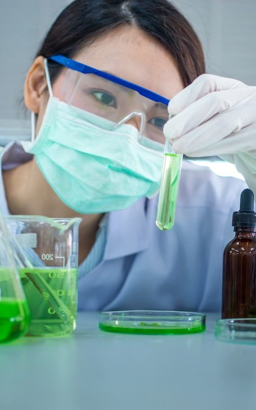 young-asian-scientist-test-tube-biotechnology-concept-with-scientist-in-lab_t20_yw7yEL